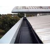 aplicação de impermeabilização de calha feita de concreto lajeado